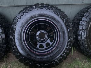 5 Rims with tires 31/10.5/15. Great Condition! for Sale in Portland, OR