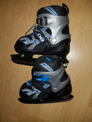 New kids ice skates. Adjustable size 1 to 4 for Sale in Coon Rapids, MN