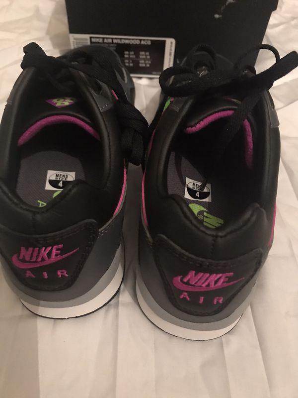 Nike 4 men's 5.5 woman's