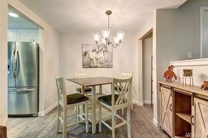 New kitchen/dining table for Sale in Issaquah, WA