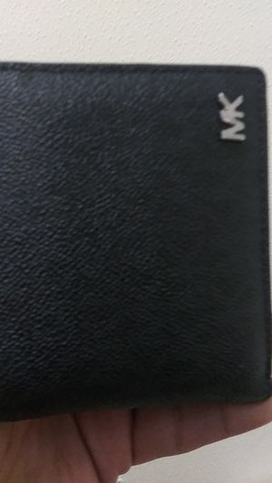 Michael kors mens wallet for Sale in Sacramento, CA