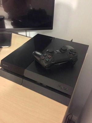 Used Ps4 With Controller for Sale in Columbus, OH