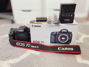 Canon 7d Mark ii digital camera - BODY only for Sale in Lakeland, FL