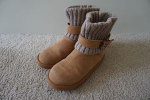 UGG Australia Women's Cambridge Boot Chestnut, Size 7 for Sale in Silver Spring, MD