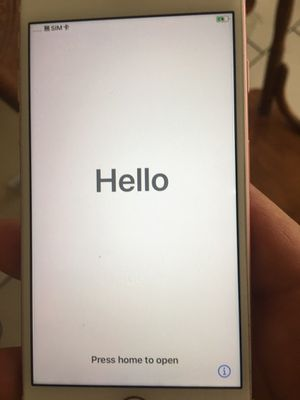 iPhone 7 32 g unlocked for Sale in Lowell, AR