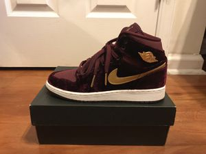 Jordan 1 Retro Heiress Night Maroon (GS) for Sale in Washington, DC