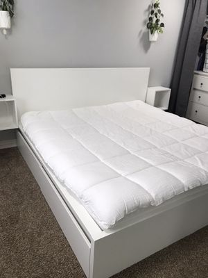 IKEA King Malm bed frame with storage for Sale in Kent, WA