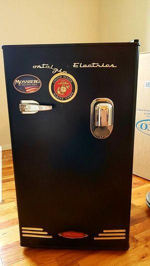 Mini fridge ($70 obo) for Sale in Newport News, VA