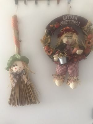 A Total of 2 Wall or Door Fall/Thanksgiving Decorations for Sale in Kennewick, WA