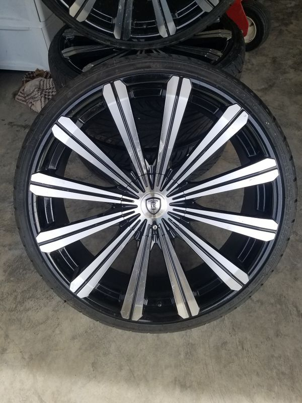 22in rims 5 lug off of Chrysler 200 c