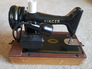 The Singer Manufacturing and CO Sewing Machine model #EL593031 for Sale in Georgetown, KY