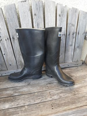 New Rain boots size 8 - 8.5 mens for Sale in Bell Gardens, CA
