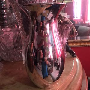 Nice Silver color ceramic vase decoration flowers for Sale in Sunny Isles Beach, FL