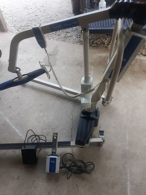 Invacare hoyar lift. for Sale in Gladewater, TX