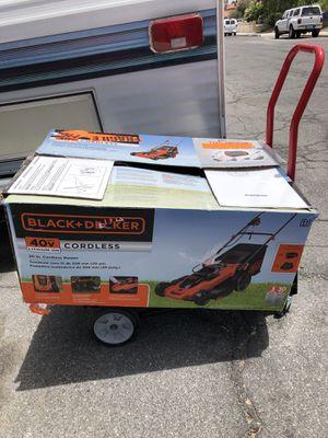 Black+Decker battery lawn mower for Sale in Las Vegas, NV