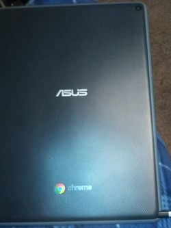 Asus Ct100 Chromebook Tablet Bundle Deal for Sale in Grants Pass,  OR
