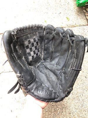 Men's softball glove for Sale in Shoreview, MN