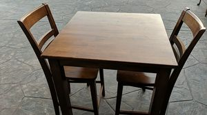 Brown Stained Dinette Kitchen Table With 2 Chairs for Sale in Chula Vista, CA