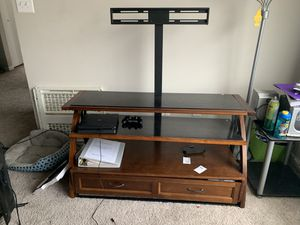 55 inch TV Stan for Sale in Capitol Heights, MD