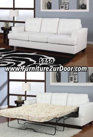 New white bonded leather sofa couch with QUEEN SIZE sleeper mattress for Sale in Pomona, CA