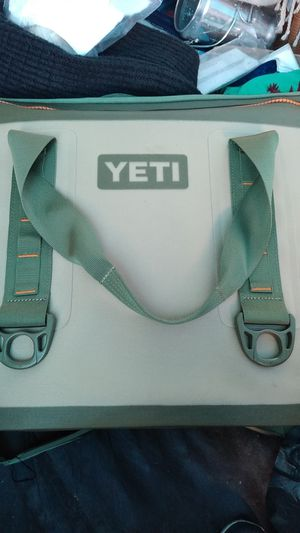 YETI HOPPER TWO BAG for Sale in Oakland, CA