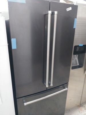Kitchen Aid french door in dark stainless for Sale in Anaheim, CA