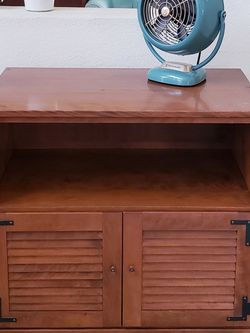 Vintage Ethan Allen Solid Wood Record Cabinet for Sale in Tustin,  CA