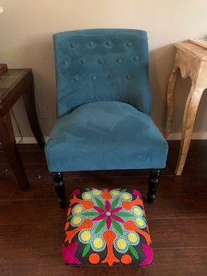 World Market Accent Chair w/ Stool for Sale in Los Angeles, CA