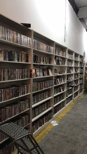 6000 DVDS -blu ray -Gameing - boded sets for Sale in East Saint Louis, IL