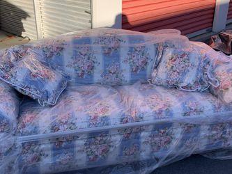 Ethan Allen Camelback Couch for Sale in Denver,  CO