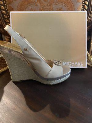 MICHAEL KORS Bone Montgomery Platform Heels for Sale in The Woodlands, TX