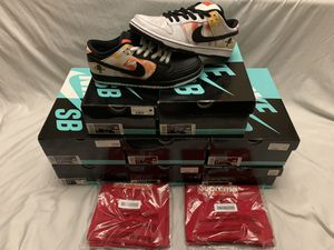 Nike Sb Dunk Low White Raygun $335 W/Ticketmaster Account Trade In for Sale in Sacramento, CA