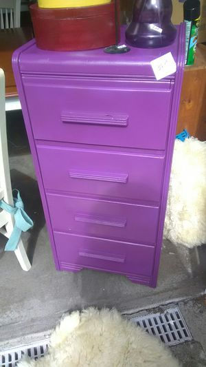 Vintage narrow 4 drawer dresser for Sale in Olympia, WA