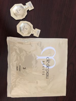 Cle De Peau Beaute 3-step Mask for Sale in Elizabeth, NJ