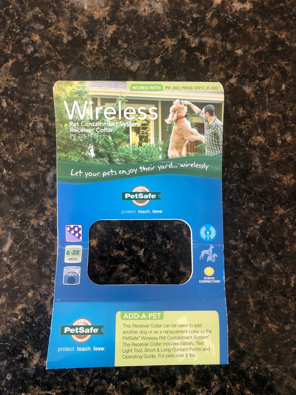 Wireless pet containment system receiver collar