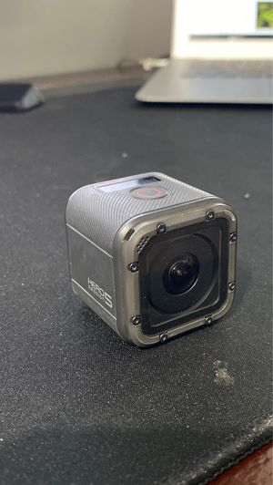 GoPro Hero 5 Session perfectly functional with equipment for Sale in Vancouver, WA