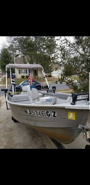 14' aluminum boat. Titles for both boat and trailer. Whole package everything you need. Deal of the summer. Getting new boat. for Sale in Washington Township, NJ