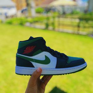 Air Jordan 1 'Pine Green' for Sale in Wyandotte, MI