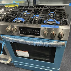 Brand New Frigidaire Slide In Gas Range Stainless Steel -6 Months Warranty for Sale in Baltimore, MD