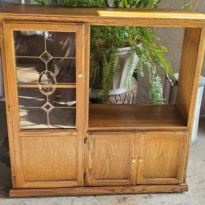 TV Stand Media Entertainment Center for Sale in Madera, CA