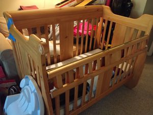 Baby/kid convertible crib. for Sale in Montgomery Village, MD