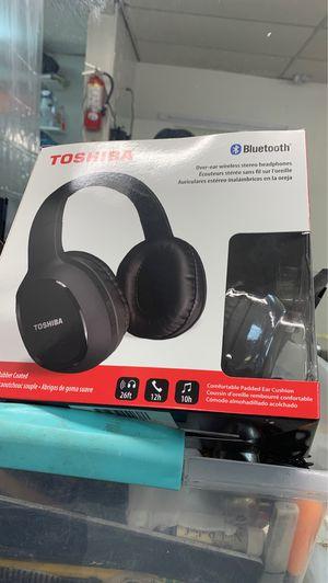 Toshiba Bluetooth headphones for Sale in Philadelphia, PA