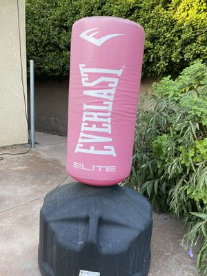 Everlast punching bag for Sale in La Quinta, CA