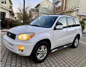 Perfectlyy2OO2 Toyota RAV4 AWDWheelsCleanTitle for Sale in Aurora, IL