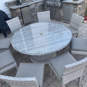 8 Seater Wicker Patio Table for Sale in Ashburn, VA