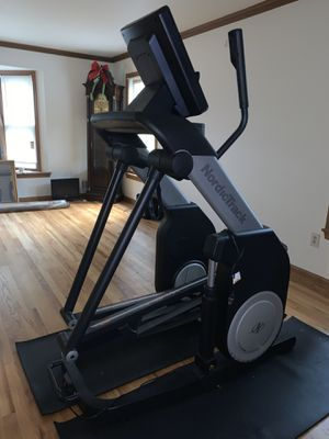 2017 NordicTrack elliptical for Sale in Lincoln Park, NJ