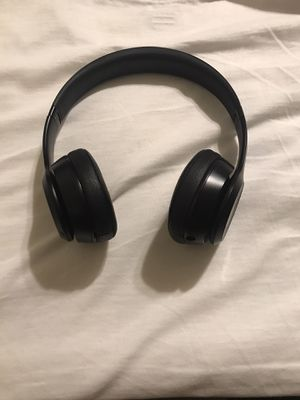 Wireless beats solo3 for Sale in San Diego, CA