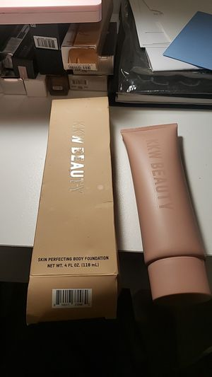 Kkw beauty body foundation for Sale in Redlands, CA