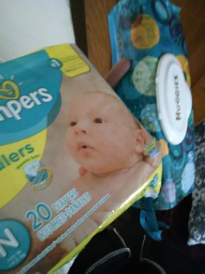 Pampers (newborn) for Sale in Los Angeles, CA