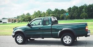 2002 Toyota tacoma 4wd for Sale in Washington, DC